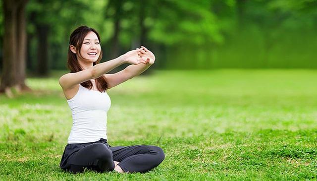 2 thói quen hút dương khí mạnh nhất khiến cơ thể ốm yếu, không phân biệt nam nữ, không tránh được thì sớm muộn gì cơ thể cũng khổ - Ảnh 1.