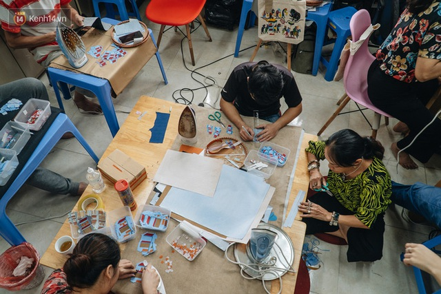 Anh giám đốc đặt tên Vụn cho doanh nghiệp, đi hết 17 phường của quận Hà Đông để chiêu mộ người khuyết tật biến rác thành vàng - Ảnh 13.