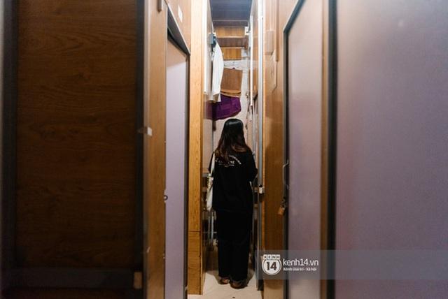 Chùm ảnh bóc trần cuộc sống tù túng, chật chội trong phòng trọ quan tài chỉ 3m2 cho giới sinh viên châu Á - Ảnh 17.