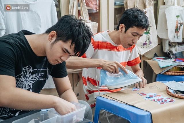 Anh giám đốc đặt tên Vụn cho doanh nghiệp, đi hết 17 phường của quận Hà Đông để chiêu mộ người khuyết tật biến rác thành vàng - Ảnh 6.
