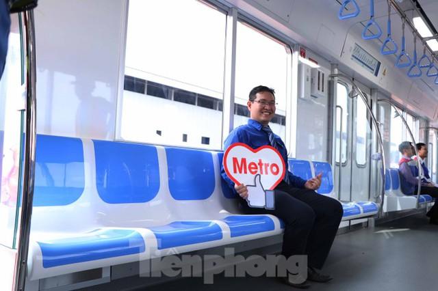 Có gì bên trong đoàn tàu metro số 1 của TPHCM? - Ảnh 13.