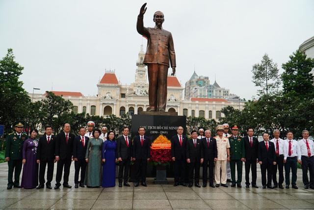 Hình ảnh phiên trù bị Đại hội Đảng bộ TP HCM lần thứ XI  - Ảnh 1.