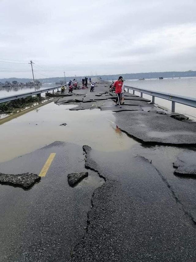 Chùm ảnh: Tuyến đường Quốc lộ 49B hư hỏng nặng  - Ảnh 4.