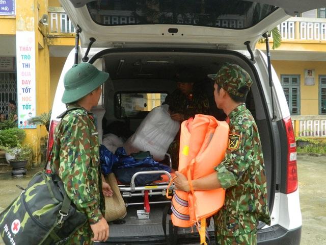 NÓNG: Các lực lượng cứu hộ lên đường vào thủy điện Rào Trăng 3 cứu người - Ảnh 8.