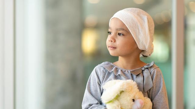 Mẹ ơi, con ngủ nhé! lời nhắn cuối cùng của em bé bị ung thư và hành trình 5 tháng chiến đấu với căn bệnh quái ác khiến ai đọc nước mắt cũng tuôn rơi - Ảnh 1.