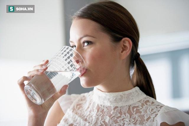 [Hỏi Bác sĩ] Khô miệng, háo nước, khát nước có phải là bệnh tiểu đường hay bệnh gì khác? - Ảnh 2.