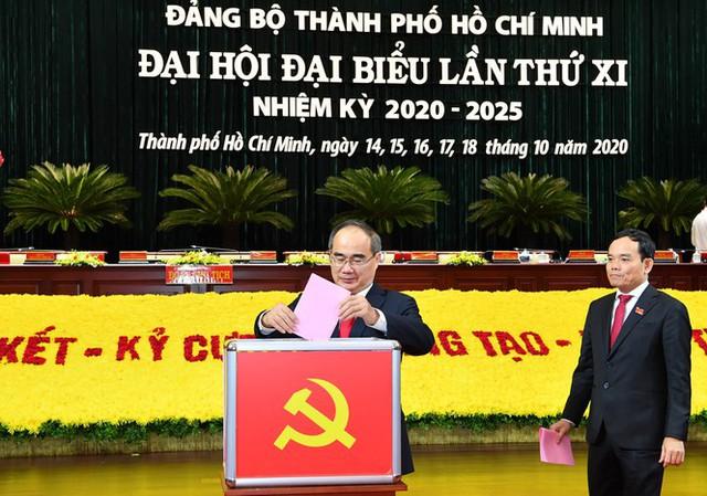 Đại hội Đảng bộ TPHCM đã bầu 61 Thành ủy viên khóa XI - Ảnh 1.