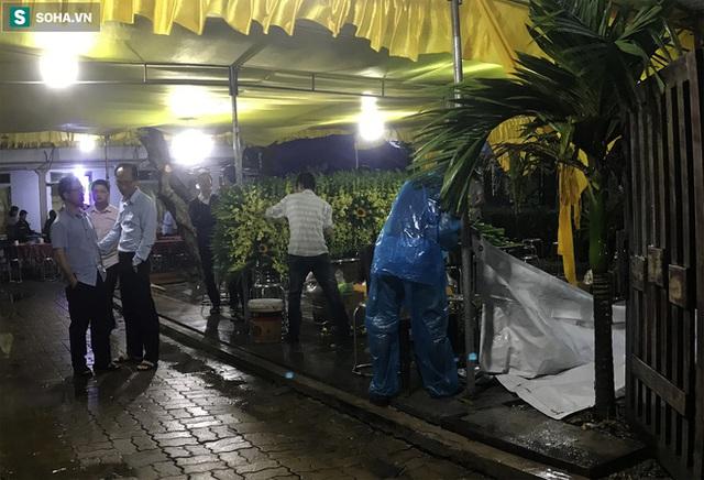 Chủ tịch huyện Phong Điền gặp nạn ở Rào Trăng 3, người mẹ già chưa tin đó là sự thật - Ảnh 4.