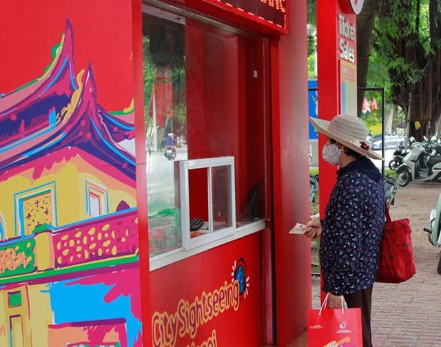 Hình ảnh xe buýt 2 tầng trong ngày đầu lăn bánh trở lại ở Hà Nội - Ảnh 5.