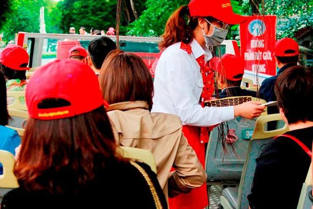Hình ảnh xe buýt 2 tầng trong ngày đầu lăn bánh trở lại ở Hà Nội - Ảnh 6.