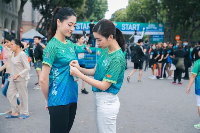 Dàn sao Việt đình đám đổ bộ về Hồ Gươm, tham gia giải chạy VPBank Hanoi Marathon ASEAN 2020 - Ảnh 6.