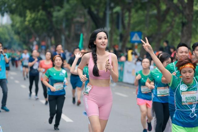 Dàn sao Việt đình đám đổ bộ về Hồ Gươm, tham gia giải chạy VPBank Hanoi Marathon ASEAN 2020 - Ảnh 5.