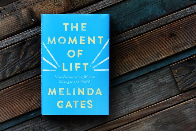 Chỉ có 4 cuốn sách được Bill Gates đánh giá 5 sao dù ông đọc rất nhiều: Những tác phẩm này có gì hay khiến vị tỷ phú này tâm đắc đến vậy? - Ảnh 4.