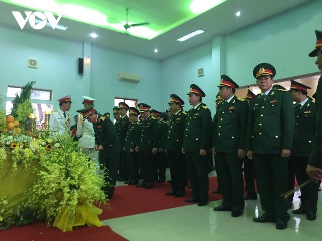 Xúc động Lễ viếng và truy điệu 13 liệt sĩ hy sinh khi tìm kiếm cứu nạn tại Rào Trăng 3 - Ảnh 2.