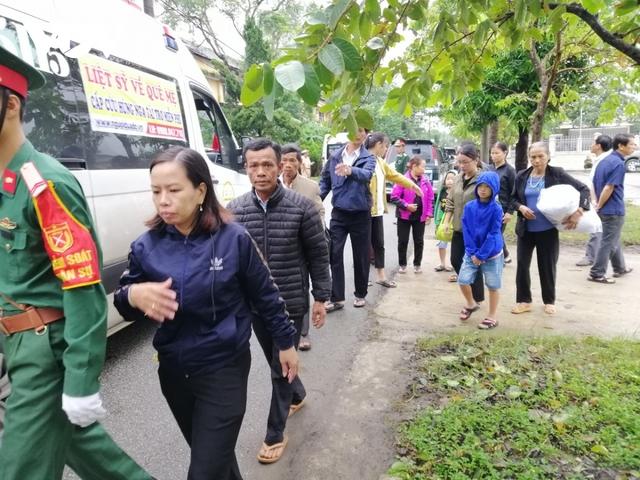 Xúc động Lễ viếng và truy điệu 13 liệt sĩ hy sinh khi tìm kiếm cứu nạn tại Rào Trăng 3 - Ảnh 16.