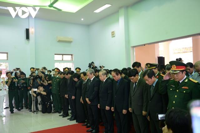 Xúc động Lễ viếng và truy điệu 13 liệt sĩ hy sinh khi tìm kiếm cứu nạn tại Rào Trăng 3 - Ảnh 3.