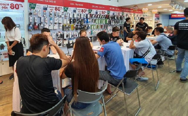 Hàng loạt smartphone xả hàng 50% chờ khách săn quà 20/10, có chiếc bay 16 triệu đồng - Ảnh 3.