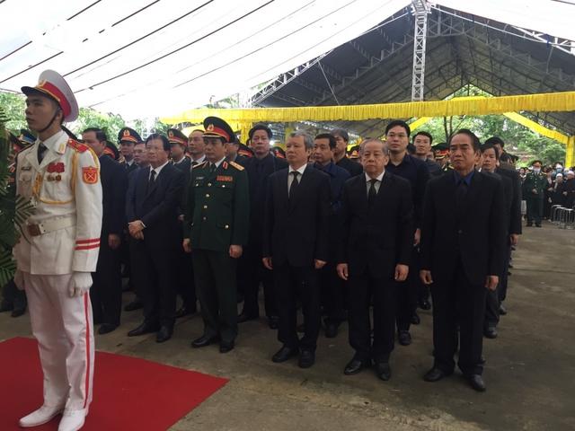 Xúc động Lễ viếng và truy điệu 13 liệt sĩ hy sinh khi tìm kiếm cứu nạn tại Rào Trăng 3 - Ảnh 23.
