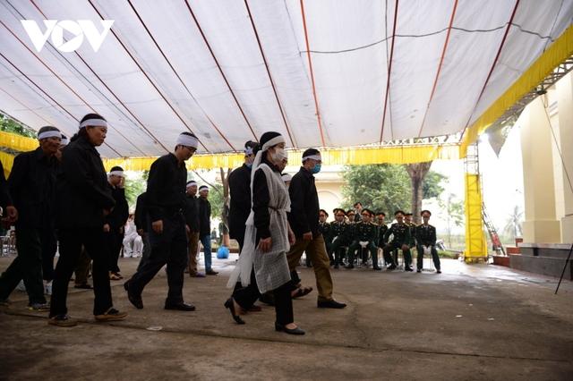 Xúc động Lễ viếng và truy điệu 13 liệt sĩ hy sinh khi tìm kiếm cứu nạn tại Rào Trăng 3 - Ảnh 29.