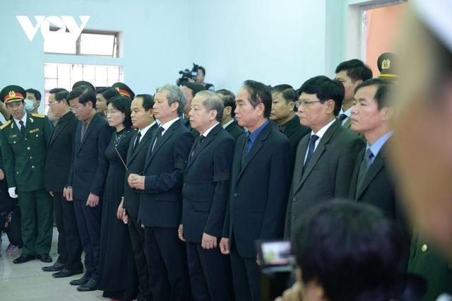 Xúc động Lễ viếng và truy điệu 13 liệt sĩ hy sinh khi tìm kiếm cứu nạn tại Rào Trăng 3 - Ảnh 4.