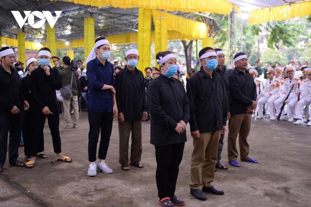 Xúc động Lễ viếng và truy điệu 13 liệt sĩ hy sinh khi tìm kiếm cứu nạn tại Rào Trăng 3 - Ảnh 31.