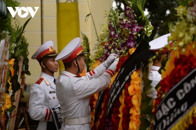 Xúc động Lễ viếng và truy điệu 13 liệt sĩ hy sinh khi tìm kiếm cứu nạn tại Rào Trăng 3 - Ảnh 37.