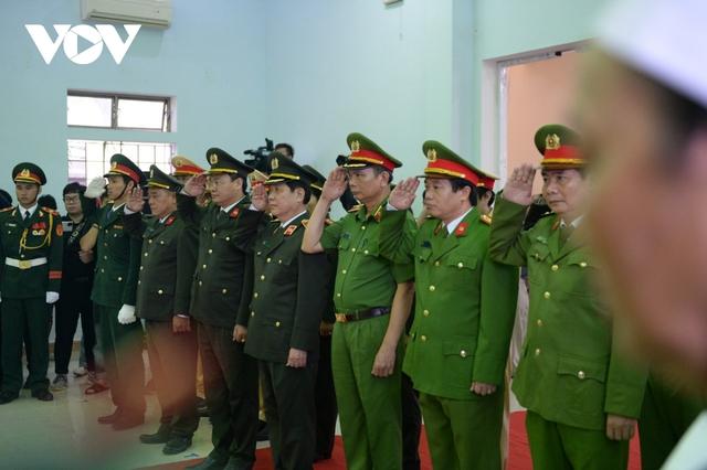 Xúc động Lễ viếng và truy điệu 13 liệt sĩ hy sinh khi tìm kiếm cứu nạn tại Rào Trăng 3 - Ảnh 5.