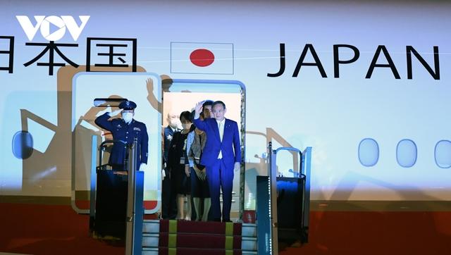 Hình ảnh Thủ tướng Suga Yoshihide và đoàn cấp cao Nhật Bản đến Nội Bài  - Ảnh 9.