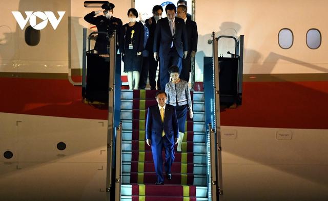 Hình ảnh Thủ tướng Suga Yoshihide và đoàn cấp cao Nhật Bản đến Nội Bài  - Ảnh 11.