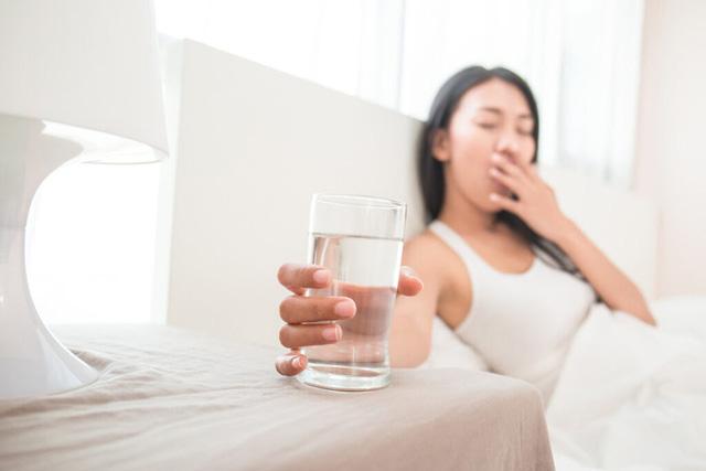 BS cảnh báo: Thói quen thải độc buổi sáng mà bạn đang làm có thể gây ra bệnh huyết áp cao - Ảnh 2.