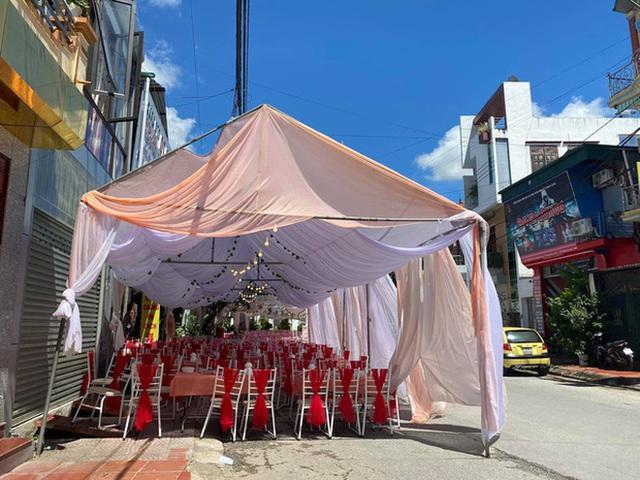 Gặp chủ nhà hàng bị bom cỗ ở Điện Biên: Biết bị lừa cả 2 vợ chồng chỉ ôm nhau khóc, 150 mâm cỗ là số lượng lớn nhất từ trước đến nay - Ảnh 2.