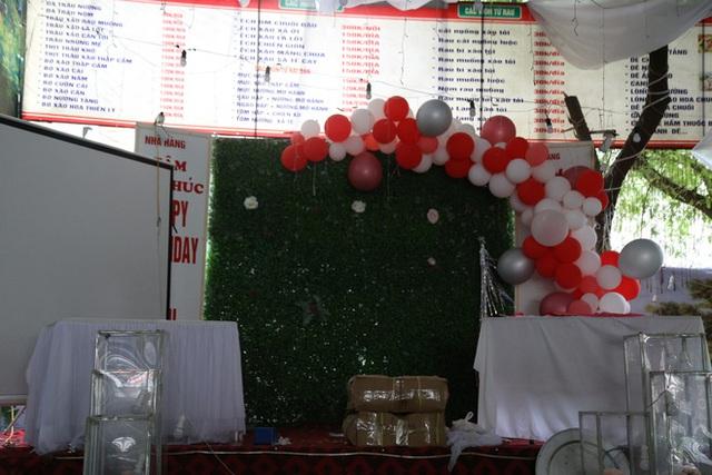 Gặp chủ nhà hàng bị bom cỗ ở Điện Biên: Biết bị lừa cả 2 vợ chồng chỉ ôm nhau khóc, 150 mâm cỗ là số lượng lớn nhất từ trước đến nay - Ảnh 9.