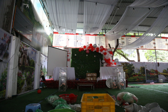 Gặp chủ nhà hàng bị bom cỗ ở Điện Biên: Biết bị lừa cả 2 vợ chồng chỉ ôm nhau khóc, 150 mâm cỗ là số lượng lớn nhất từ trước đến nay - Ảnh 10.