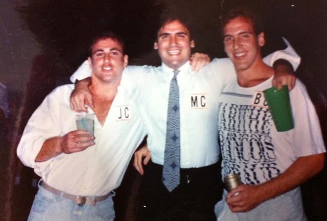 Cuộc đời khác xa với người anh tỷ phú của Brian Cuban: Định nghĩa thành công đâu chỉ đơn giản là nhiều tiền - Ảnh 1.