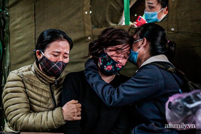 Tin nhắn cuối cùng không hồi đáp và lời hẹn mãi dở dang của chiến sĩ bị núi lở vùi lấp ở Quảng Trị: Anh nói sẽ tổ chức 20/10 cho vợ, mà nay lại trở về trên chiếc xe cứu thương - Ảnh 10.