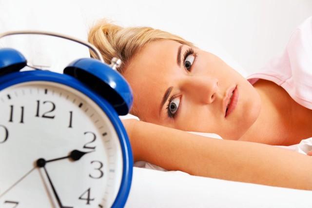 Thường xuyên tỉnh giấc lúc 1-3 giờ sáng chính là dấu hiệu gan đang kêu cứu: Áp dụng ngay 4 cách sau để thải độc tố  - Ảnh 3.