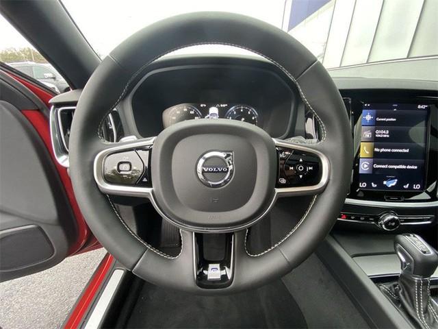 Volvo S60 rục rịch ra mắt tại Việt Nam, giá dưới 2 tỷ cạnh tranh Mercedes C-Class và BMW 3-Series - Ảnh 7.