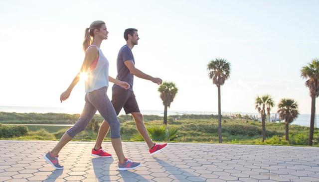 Nên đi bộ bao lâu mỗi ngày để có kết quả tốt nhất? - Ảnh 2.