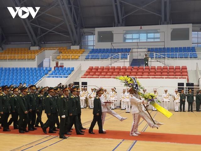 Lễ viếng và truy điệu 22 liệt sĩ Đoàn KTQP 337 hy sinh khi đang làm nhiệm vụ - Ảnh 4.