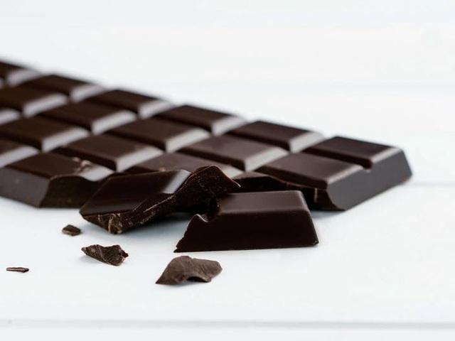 Sô cô la đen - thuốc bổ nhiều công dụng: Chuyên gia Mỹ tư vấn cách ăn tốt cho sức khoẻ nhất - Ảnh 2.
