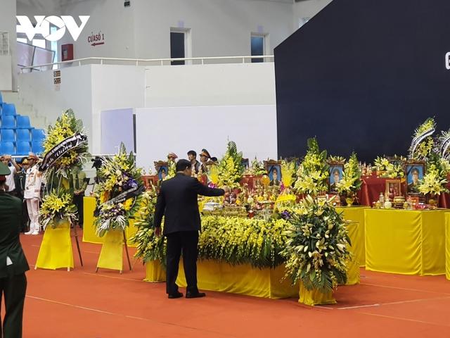 Lễ viếng và truy điệu 22 liệt sĩ Đoàn KTQP 337 hy sinh khi đang làm nhiệm vụ - Ảnh 15.
