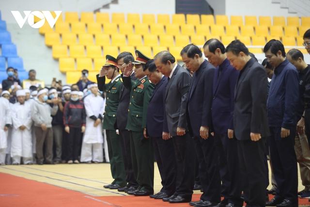 Lễ viếng và truy điệu 22 liệt sĩ Đoàn KTQP 337 hy sinh khi đang làm nhiệm vụ - Ảnh 21.