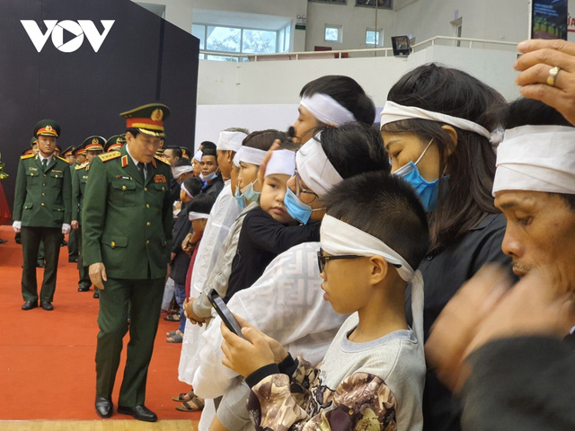 Lễ viếng và truy điệu 22 liệt sĩ Đoàn KTQP 337 hy sinh khi đang làm nhiệm vụ - Ảnh 26.
