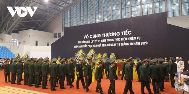 Lễ viếng và truy điệu 22 liệt sĩ Đoàn KTQP 337 hy sinh khi đang làm nhiệm vụ - Ảnh 29.