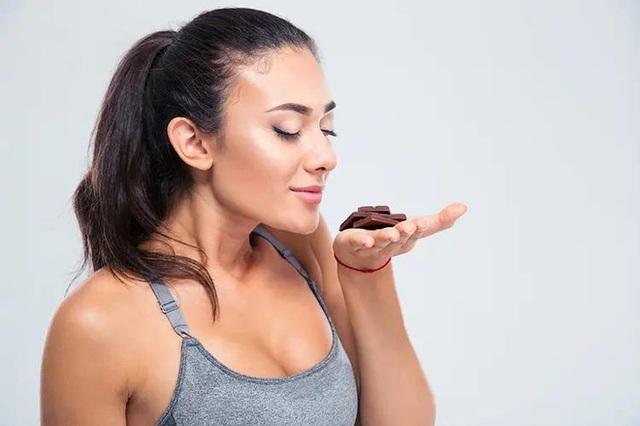 Sô cô la đen - thuốc bổ nhiều công dụng: Chuyên gia Mỹ tư vấn cách ăn tốt cho sức khoẻ nhất - Ảnh 4.