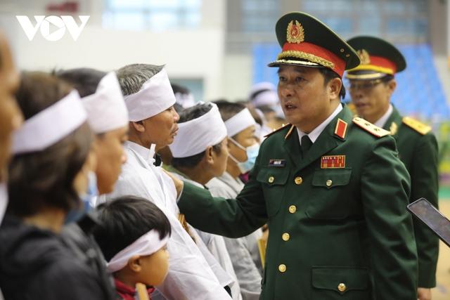 Lễ viếng và truy điệu 22 liệt sĩ Đoàn KTQP 337 hy sinh khi đang làm nhiệm vụ - Ảnh 43.
