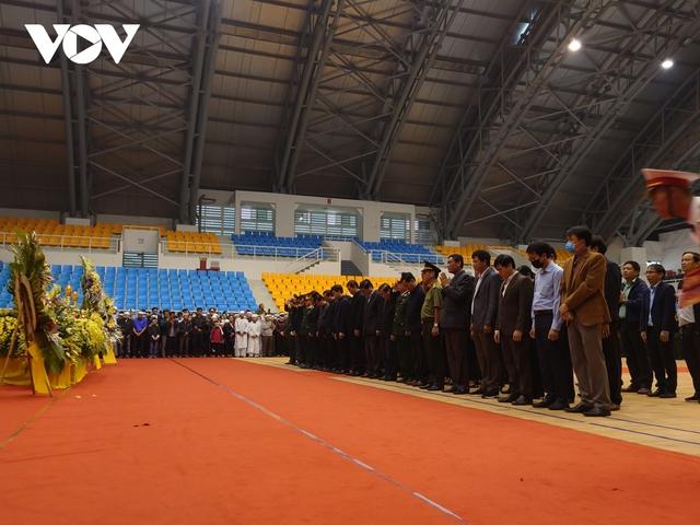 Lễ viếng và truy điệu 22 liệt sĩ Đoàn KTQP 337 hy sinh khi đang làm nhiệm vụ - Ảnh 8.