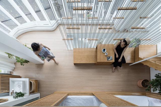 Công trình vừa là nhà cho 7 người ở, vừa là quán cà phê trên mảnh đất 35 m2 ở Huế - Ảnh 6.