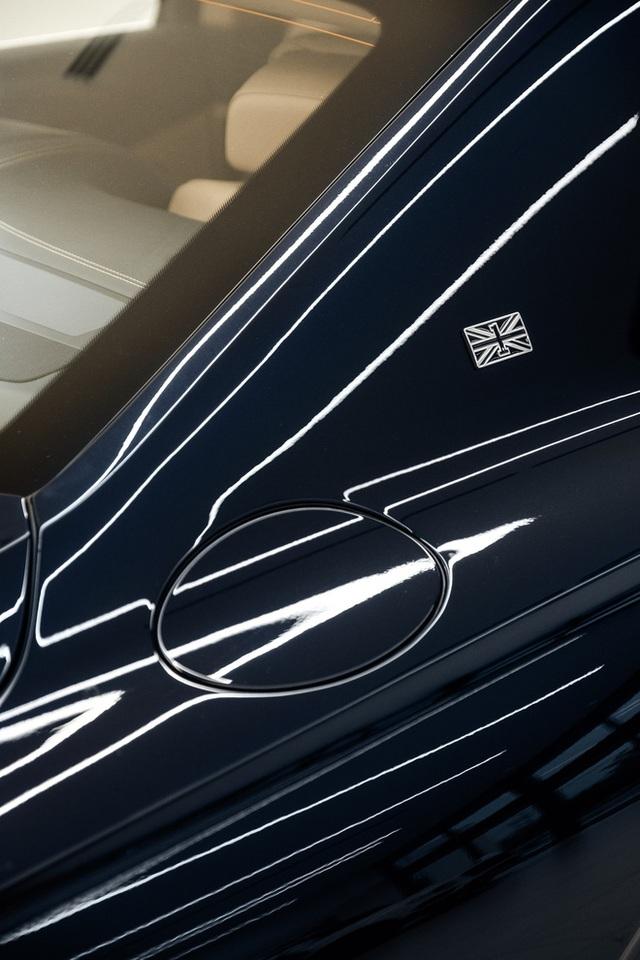 Cận cảnh Bentley Flying Spur First Edition đầu tiên tại Việt Nam, giá bán lên tới 30 tỷ đồng - Ảnh 8.