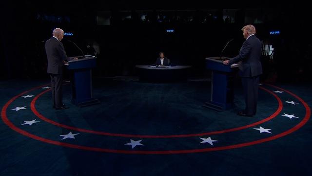 Vòng tranh luận cuối cùng: Ông Biden xuất hiện với chiếc khẩu trang, ông Trump thì không - Ảnh 1.